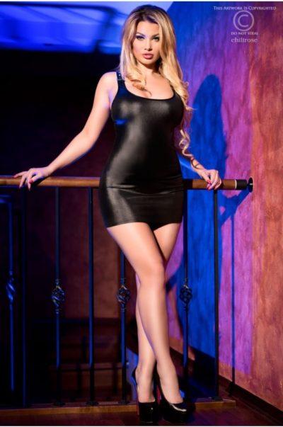 Tuff klänning - Diablo fram på modell