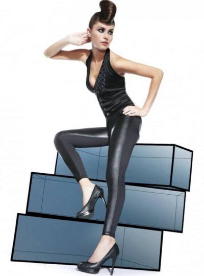 Svarta snygga leggings på modell