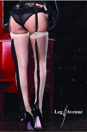 Burleska strumpor bak på modell