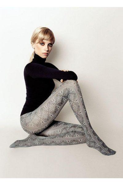 Grå Strumpbyxa - Celine på modell