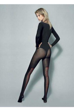 Svarta nylonstrumpor med mönster - Rosanna bak på modell