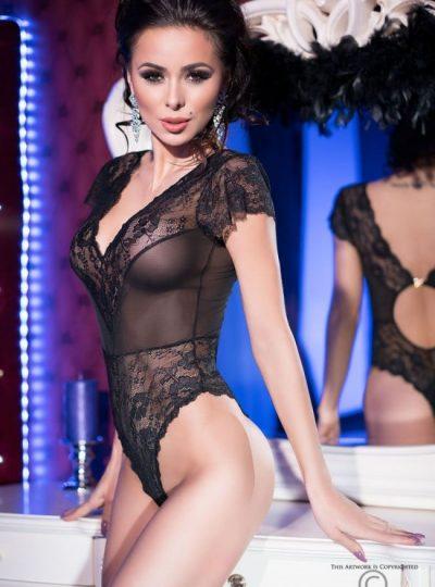 Teddy - Black lace fram på modell