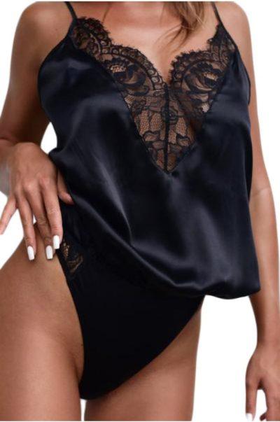 Snygg svart bodysuit.