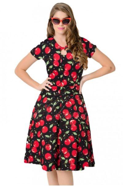 Svart klänning med korta ärmar och körsbärstryck