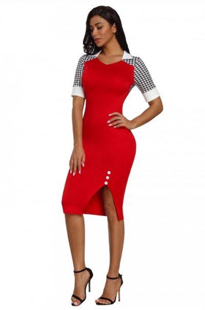 Röd mönstrad klänning i snygg modell