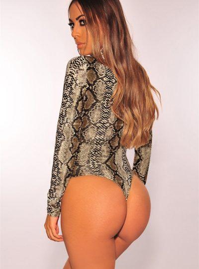 Tuff bodysuit med läckert mönster bakifrån