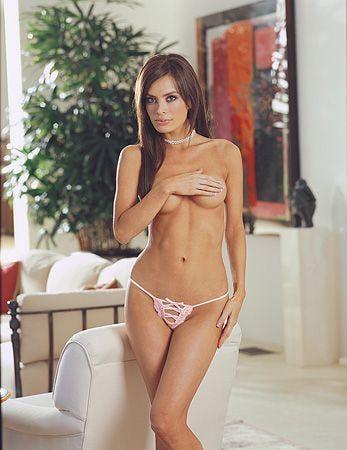 Vacker rosa stringtrosa