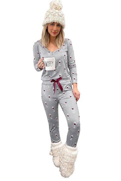 Pyjamas med vinglas på
