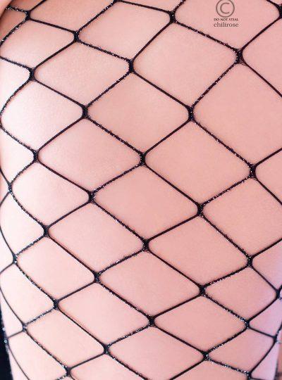 cr-4311-black-silver-lurex-fishnet-1-pantyhouse